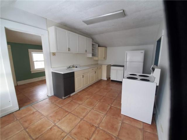 Kitchen featured at 415 E Moody Ave, New Castle, PA 16105