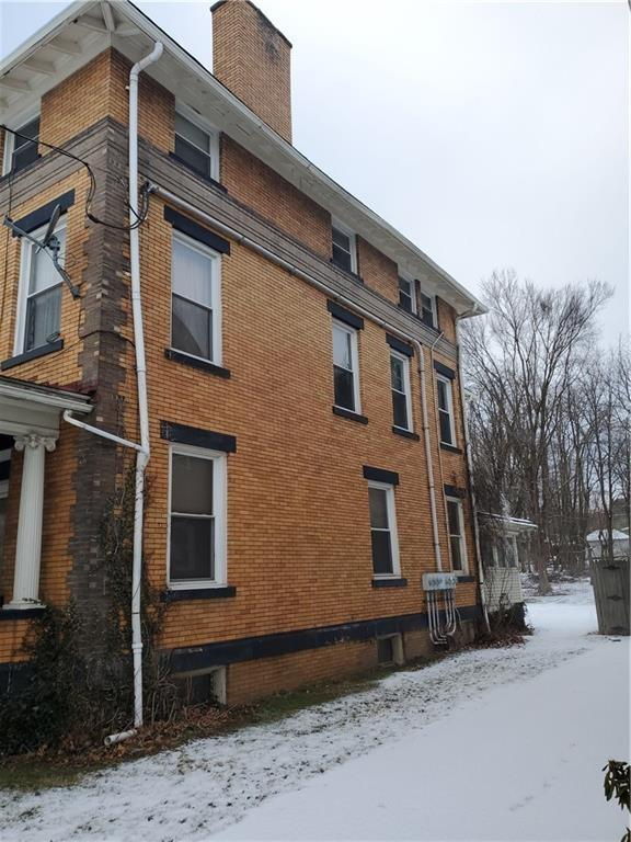 Road view featured at 415 E Moody Ave, New Castle, PA 16105