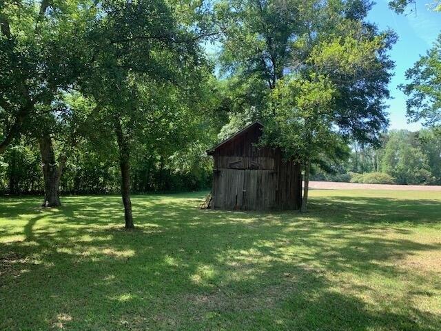Farm land featured at 637 Carthage St, Cameron, NC 28326