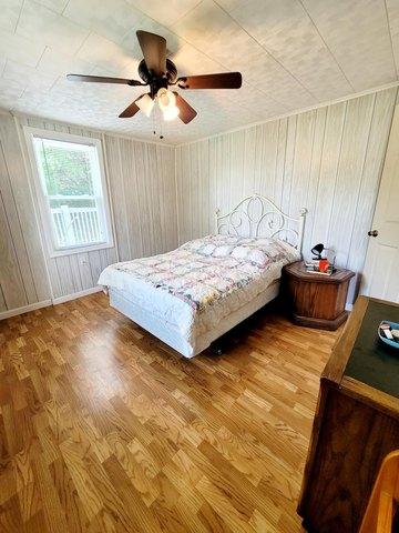Bedroom featured at 4128 Skeetrock Rd, Clintwood, VA 24228