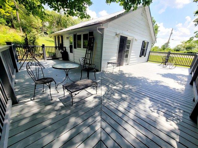 Porch yard featured at 4128 Skeetrock Rd, Clintwood, VA 24228