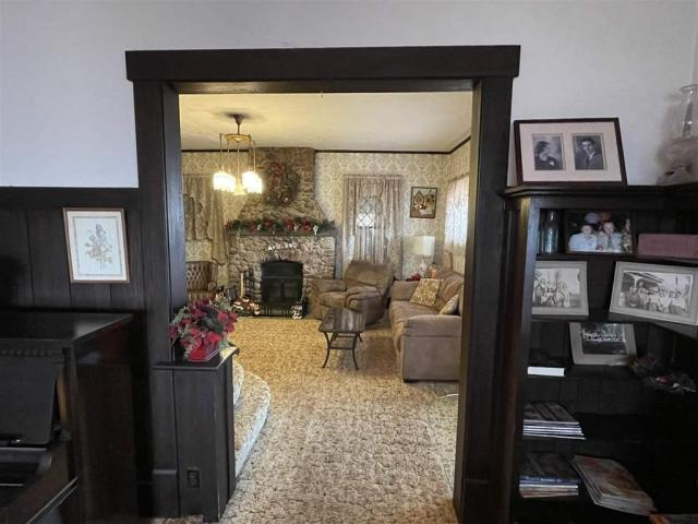 Living room featured at 715 5th St, Humboldt, NE 68376