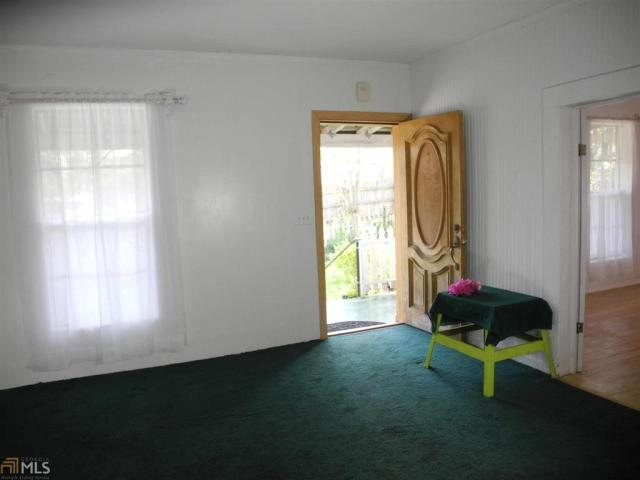 Living room featured at 184 Cato St, Manchester, GA 31816