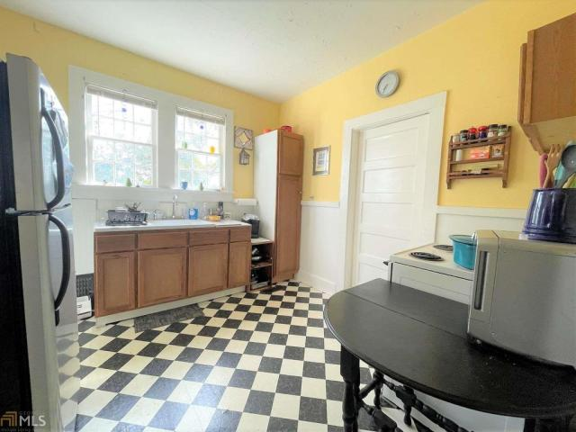 Kitchen featured at 313 E Church St, Elberton, GA 30635