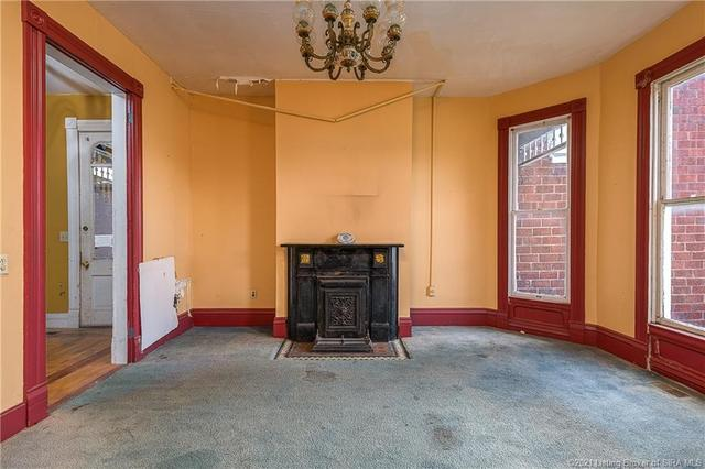 Living room featured at 366 Main Cross St, Charlestown, IN 47111