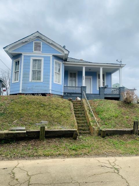House view featured at 1708 Bodley St, Vicksburg, MS 39180