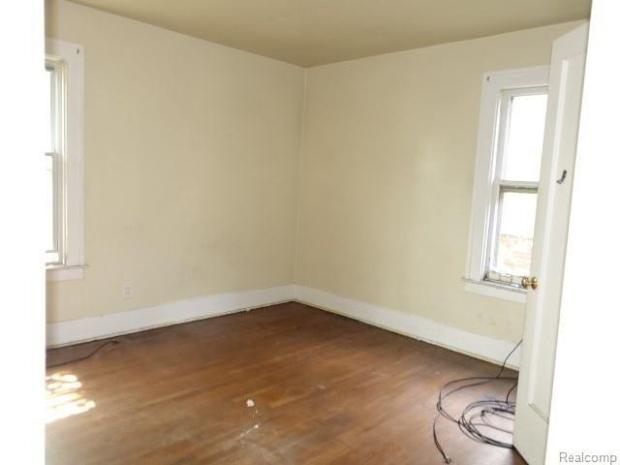 Bedroom featured at 2717 Burlingame St, Detroit, MI 48206