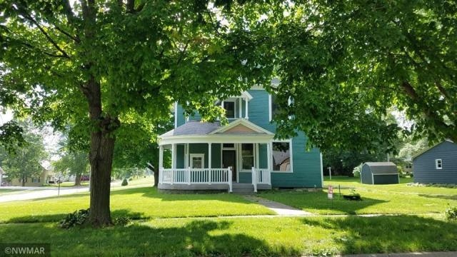 Yard featured at 403 S East St, Sigourney, IA 52591
