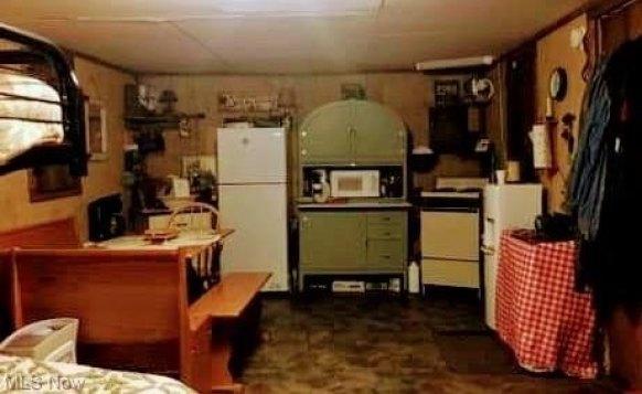 Kitchen featured at 16937 Staunton Tpke, Walker, WV 26180