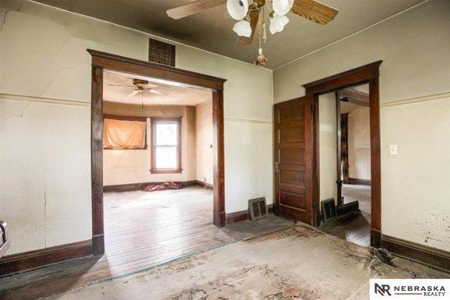 Bedroom featured at 3316 Ohio St, Omaha, NE 68111