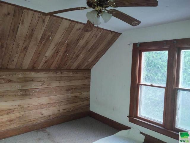 Bedroom featured at 215 N Roosevelt Ave, Cherokee, IA 51012