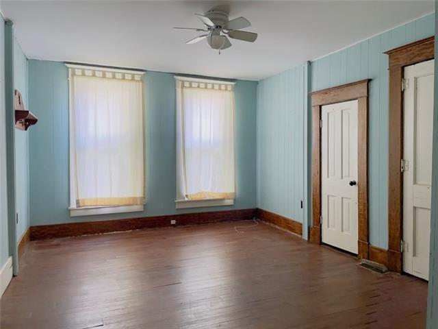 Bedroom featured at 1423 Main St, Trenton, MO 64683