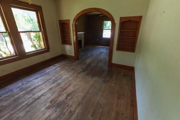 Property featured at 802 E Wells St, Stamford, TX 79553
