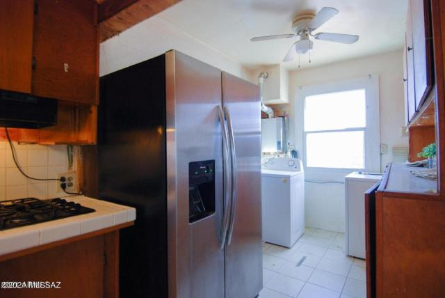 Kitchen featured at 123 S Bowie Ave, Willcox, AZ 85643