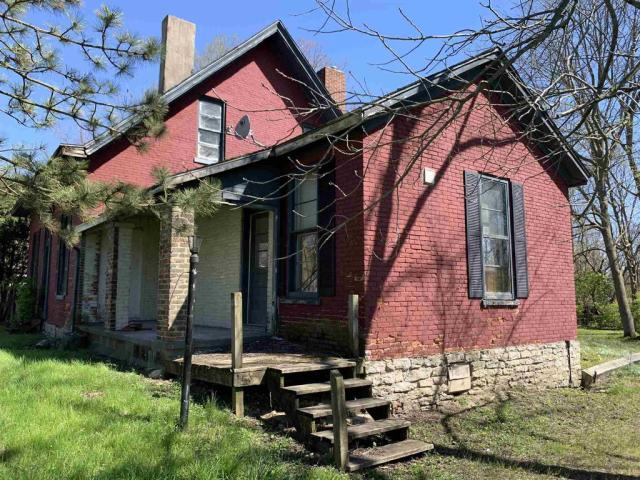 House view featured at 101 NW G St, Richmond, IN 47374