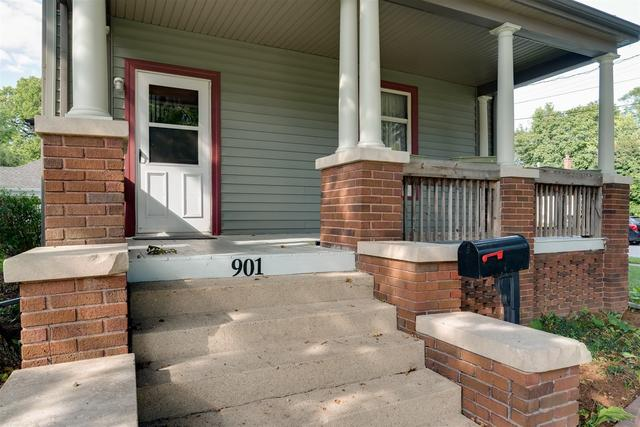 Porch featured at 901 W Taylor St, Bloomington, IL 61701