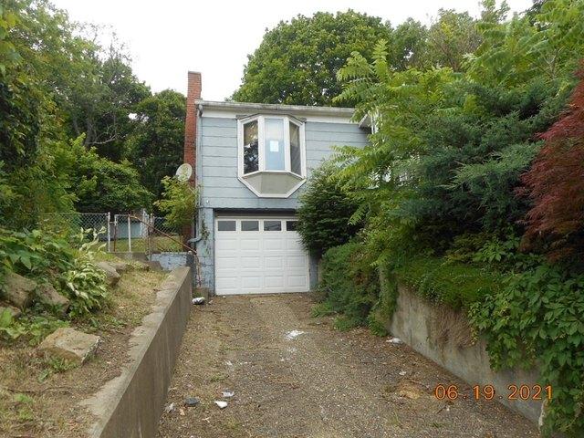 House view featured at 905 Van Meter Way, West Liberty, WV 26074
