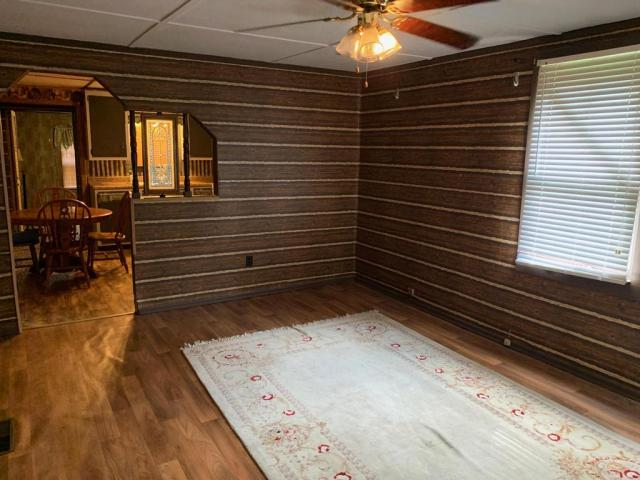 Bedroom featured at 998 Slate Ridge Rd, Lily, KY 40740