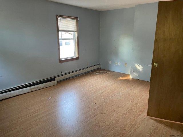 Bedroom featured at 1318 Santa Fe St, Schenectady, NY 12303