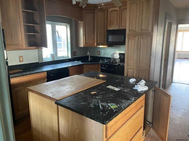 Kitchen featured at 1318 Santa Fe St, Schenectady, NY 12303