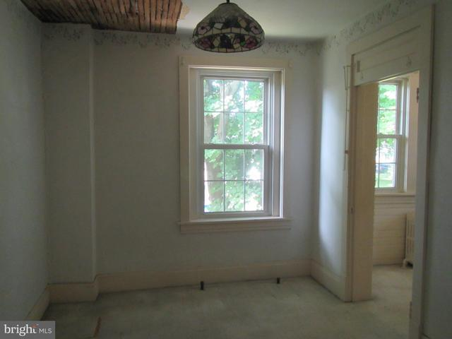 Bedroom featured at 117 Houston Ave, Harrisburg, PA 17103