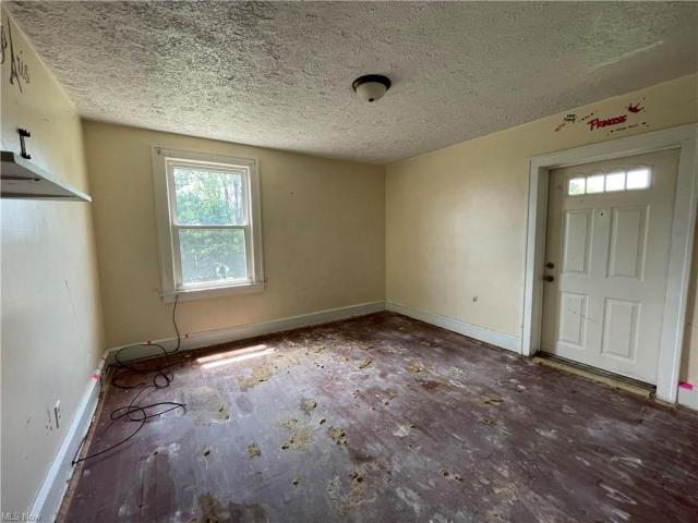 Bedroom featured at 2409 Gilbert Ave NE, Canton, OH 44705