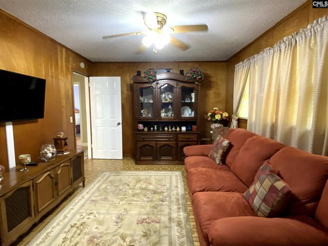 Living room featured at 3731 Hearn Dr, Columbia, SC 29223