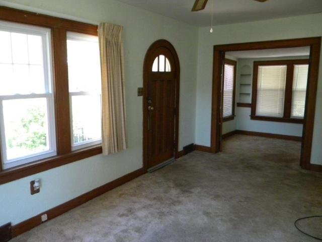 Property featured at 407 W 9th St, Sterling, IL 61081