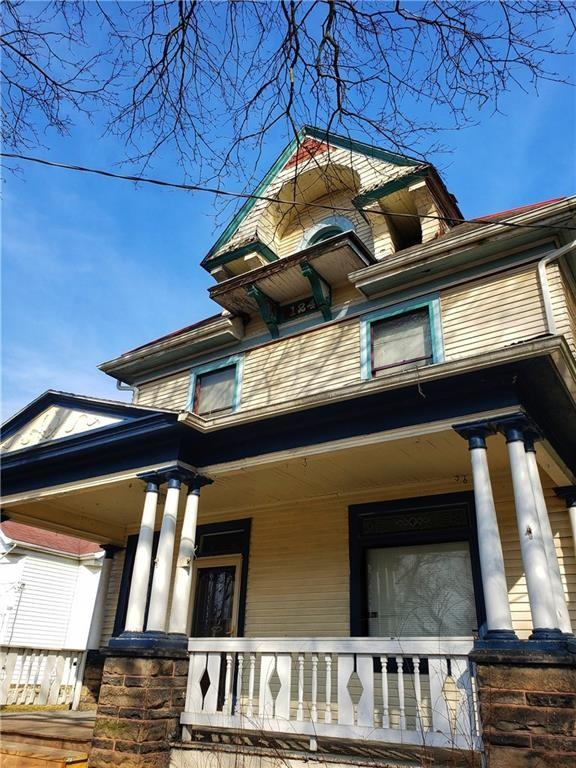 House view featured at 124 N Walnut St, New Castle, PA 16101