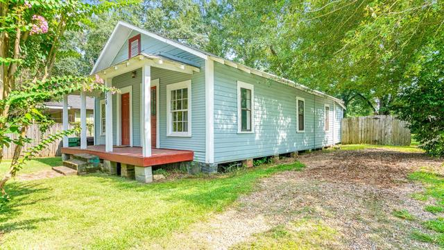 House view featured at 536 Miller St, Hattiesburg, MS 39401