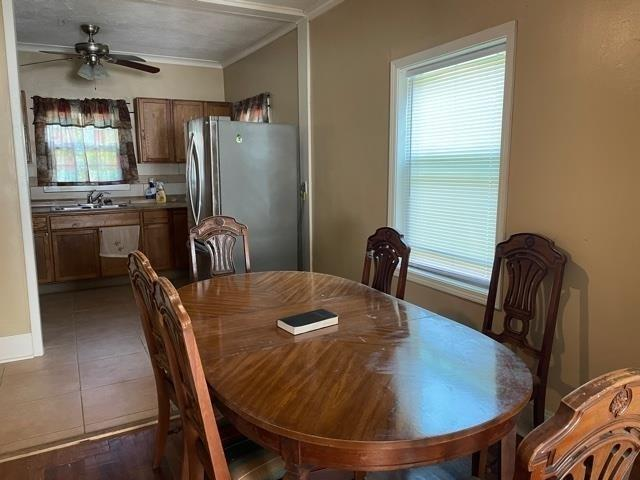 Dining room featured at 400 Fourth St, Summerville, GA 30747