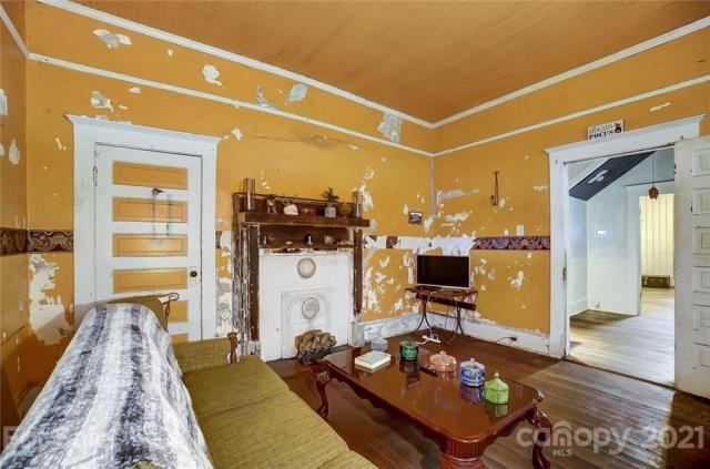Living room featured at 166 Pinckney St, Chester, SC 29706