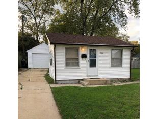 "<div></img>2046 Orchard St</div><div>Racine, Wisconsin 53405</div>"" data-original=""/img/cdn/assets/layout/patch_white_bg.jpg"" data-recalc-dims=""1″></a></figure><div class="