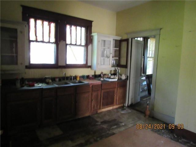 Kitchen featured at 12634 Tangipahoa Ave, Roseland, LA 70456