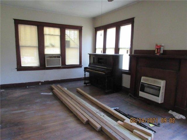 Living room featured at 12634 Tangipahoa Ave, Roseland, LA 70456