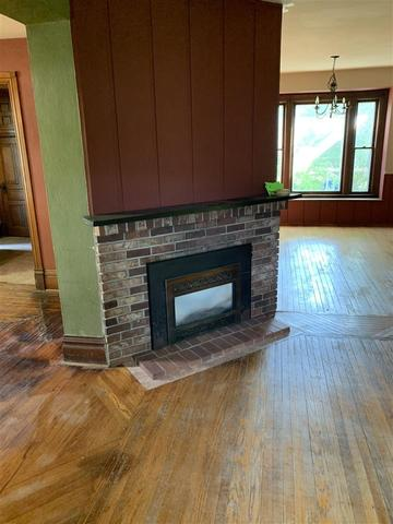 Living room featured at 505 N Iowa St, Charles City, IA 50616