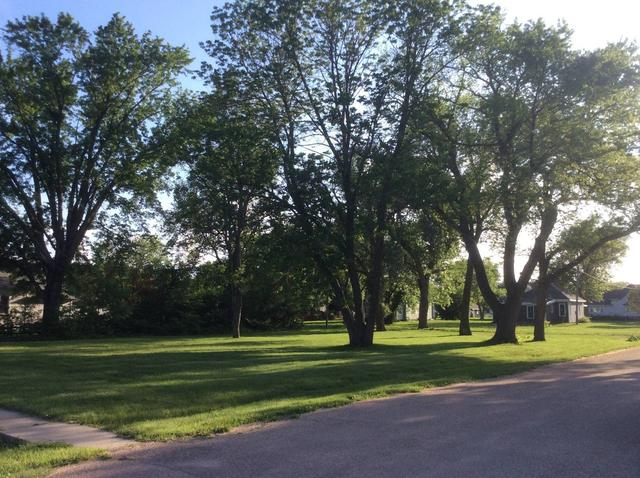 Road view featured at 500 N Chestnut, Red Cloud, NE 68970