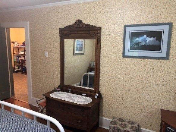 Bathroom featured at 209 E Allen St, Leslie, GA 31764