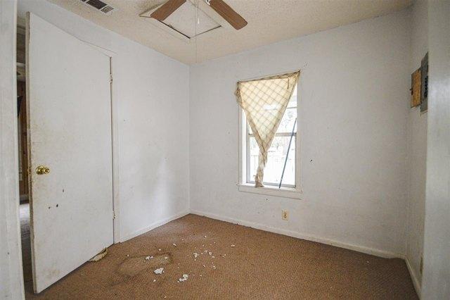 Bedroom featured at 1031 Mlk Jr Blvd, Quincy, FL 32351
