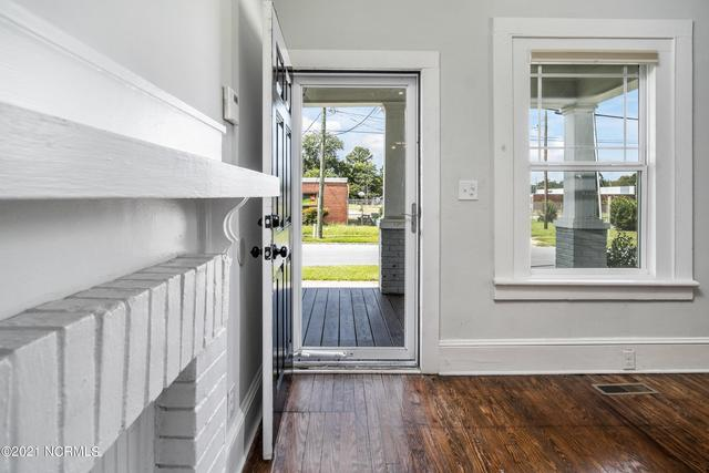 Laundry room featured at 1311 Chestnut St, Greenville, NC 27834