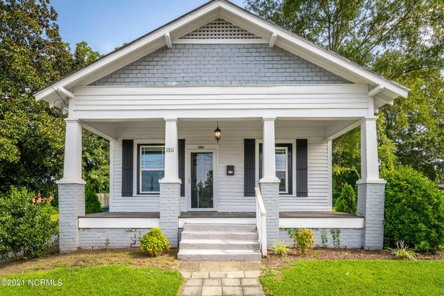 Porch featured at 1311 Chestnut St, Greenville, NC 27834