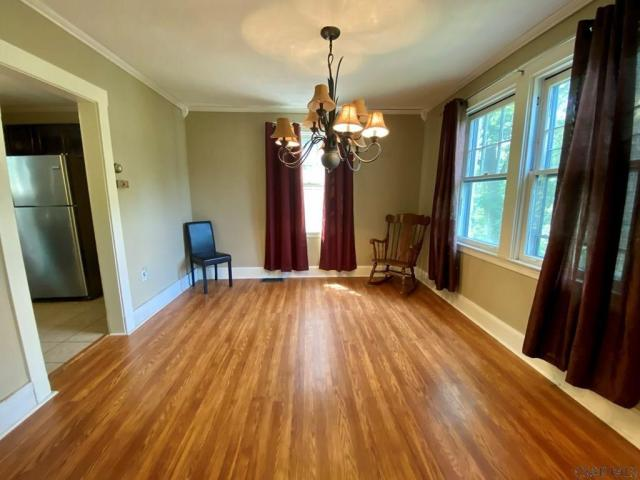 Living room featured at 8 Harding St, Johnstown, PA 15905