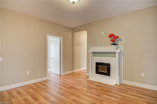 Living room featured at 1622 25th St NE, Winston Salem, NC 27105