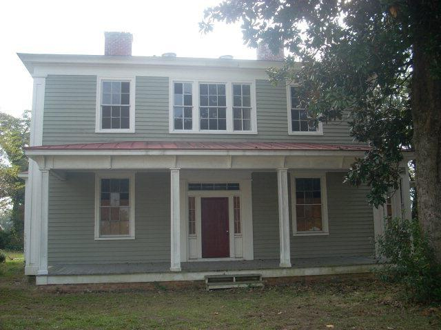 Porch featured at 314 S William St, Goldsboro, NC 27530