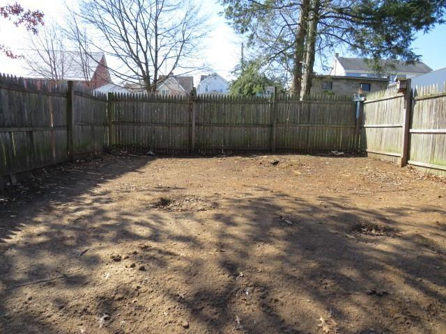 Yard featured at 311 Longfellow St, Vandergrift, PA 15690