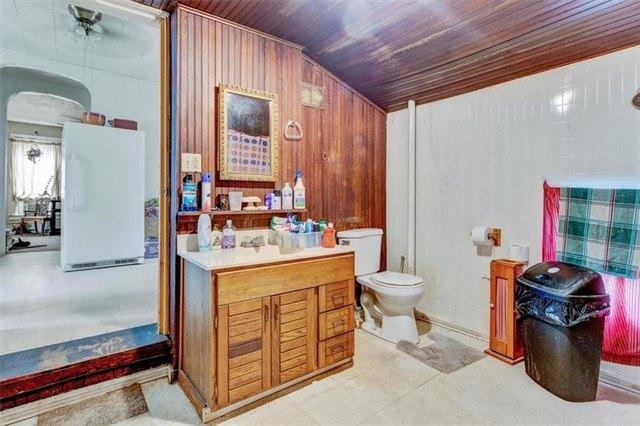 Bathroom featured at 11917 W Main St, Wolcott, NY 14590