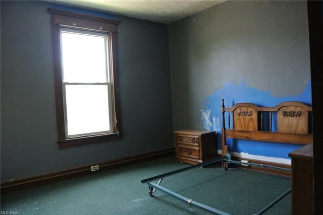 Bedroom featured at 700 Garfield Ave SW, Canton, OH 44706