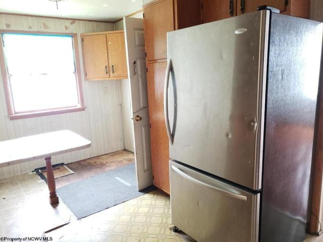 Laundry room featured at 430 Duff St, Clarksburg, WV 26301