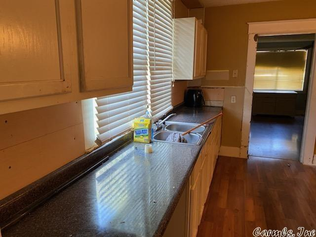 Kitchen featured at 3000 S Cherry St, Pine Bluff, AR 71603