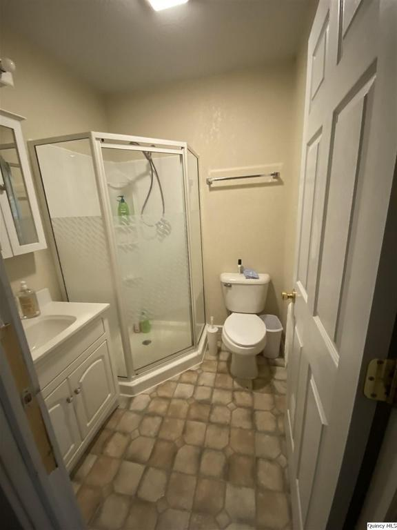 Bathroom featured at 510 S Fulmer St, Nauvoo, IL 62354